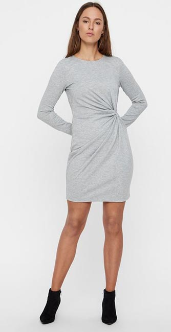 Front view of this Knot dress from Vero Moda