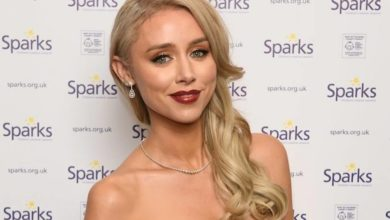 Una Healy shares love-up holiday snap with boyfriend David Breen
